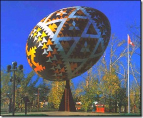 Worlds-Largest-Easter-Egg-Canada-04