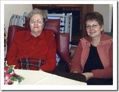 Aunt Linda & Grandma