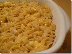 macaroni & cheese in dish