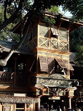 450px-Jungle_Cruise_Entrance_Sunset