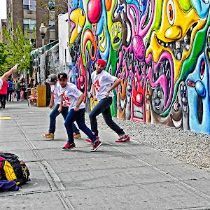 DSCN3801 Street Dancers & Grafitti.jpg