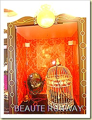 majoic majorca doll house close cage