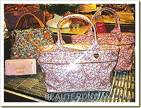 Samantha Thavasa Hello Kitty Liberty bags