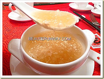 Old Hong Kong Legend Braised Imperial Bird's Nest and Phoenix Shark's Fin with Minced Chicken 凤凰展翅
