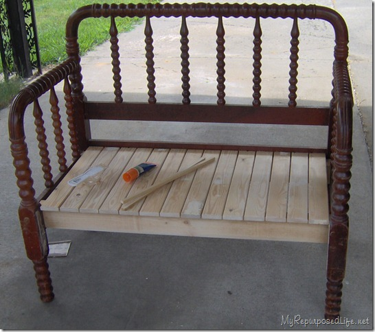 twin spool headboard bench