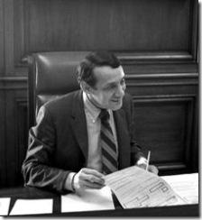 225px-Harvey_Milk_in_1978_at_Mayor_Moscone's_Desk_crop