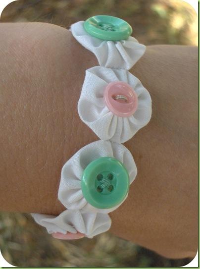 yo-yo bracelet  2 (Pulseira Fuxico e Botões)