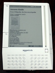 Amazon Kindle [Shakata Ga Nai em Wikimidia Commons]