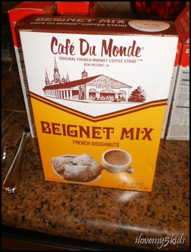 Cafe' Du Monde Beignets