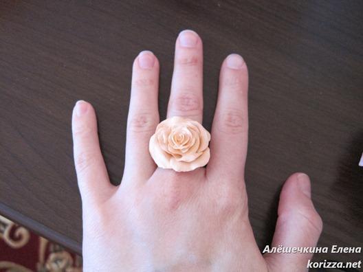 кольцо из цернита чайная роза