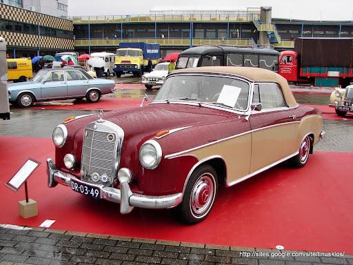1956 - Mercedes-Benz 220 S