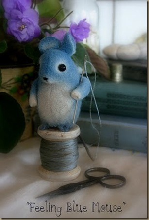 blue mouse 1 2010 august blog giveaway 008