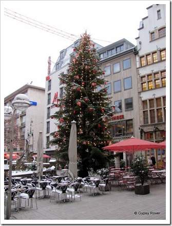 Another Xmas tree in Cologne.