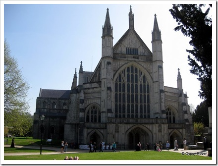 Winchester Cathedral from the front.