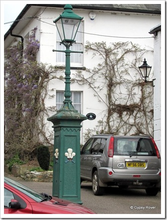 Strange street light in Colyton.