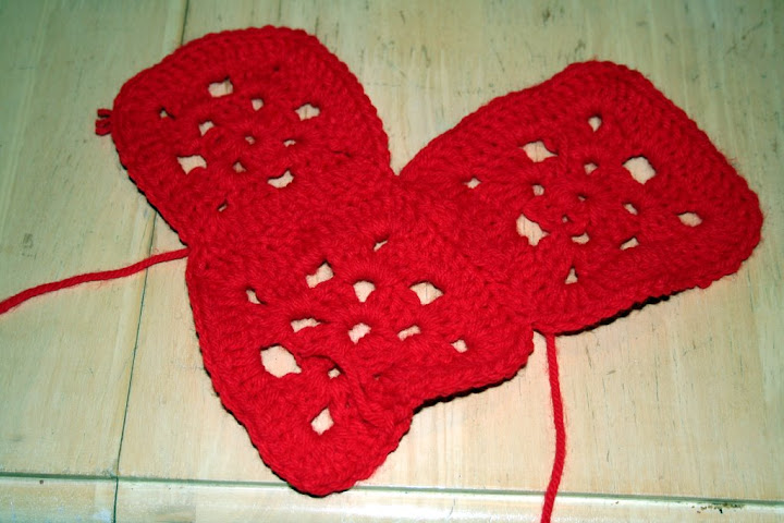 Free Crochet Pattern For Granny Square Christmas Stocking : CROCHETED GRANNY SQUARE CHRISTMAS STOCKINGS PATTERN FREE ...