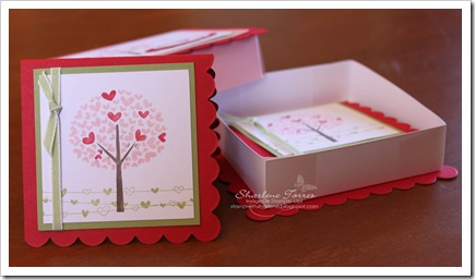 Love Defined scallop square box open