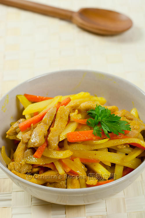 黃薑炒薯條雞絲 Pan-fried Turmeric Chicken and Potato01