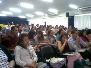 foto do auditório mostrando a platéia