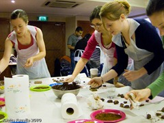 CocoaBoxChocMaking-3788