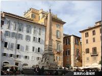 羅馬萬神殿廣場中的方尖碑