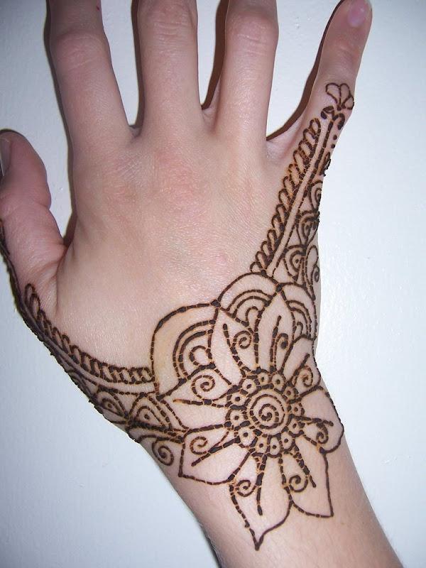 Mehndi Designs Colour : Colour mehndi designs for hands makedes