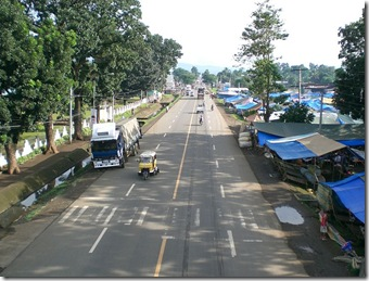 800px-Sayre_Highway-bukidnon