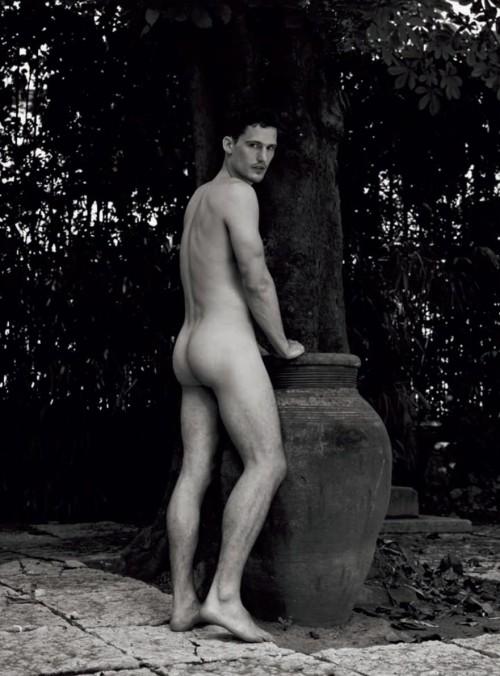 noah mills naked