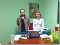 El concejal de Juventud y la técnico que se encarga del Punto de Información Juvenil de Almodóvar del Campo.