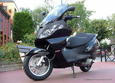 300 saint maur motos. Black Bedroom Furniture Sets. Home Design Ideas