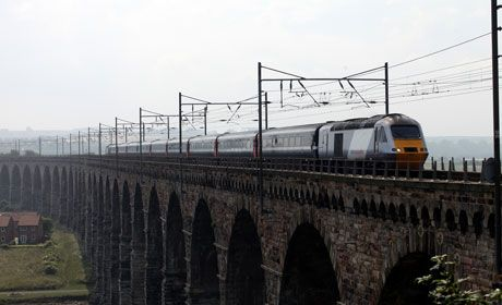 berwick-bridge-railway-train-rail-national-express-487541679.jpg