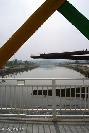 ménsula sobre el río - centro nieyemer