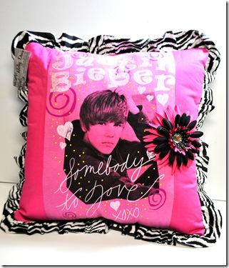 JUSTIN BIEBER PILLOW (2)