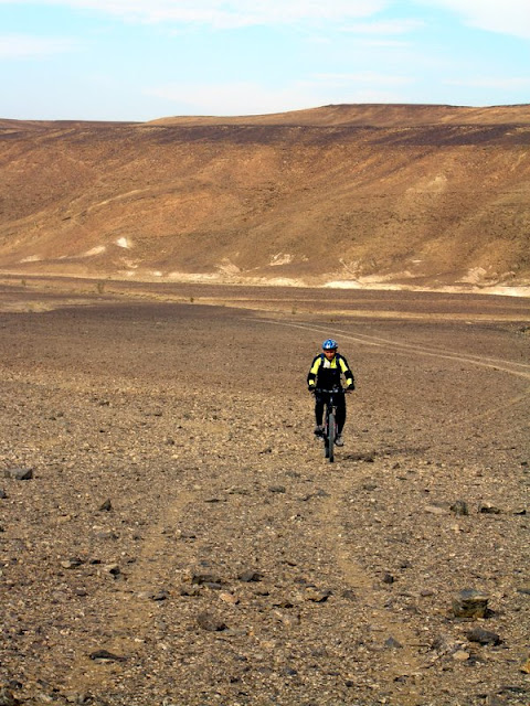 The riding started on fast and flowy doubletrack (that turned into singletrack about 3 km in) in a huge valley.
