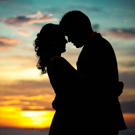 Silhouette  by Ian Pio - Wedding Bride & Groom (  )