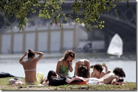 La violencia de género en España comienza en la adolescencia, según un informe