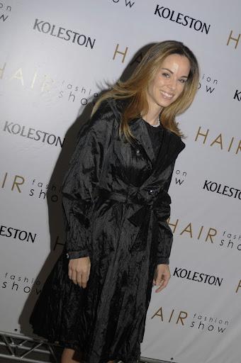http://lh6.ggpht.com/_W0wCoXzGQ9Y/Spbt1ooVgsI/AAAAAAAABGs/urydtXWBpKk/s512/hair_fashion_0151.JPG