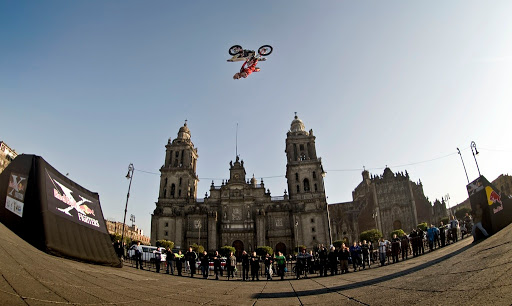 Dany Torres - Mexico City 09 (c)Jˆrg Mitter/Red Bull Photofiles
