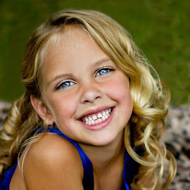 Baby Blues by Jennifer Olmstead - Babies & Children Child Portraits ( blonde, girl, beautiful, child portrait, blue eyes )