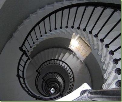 stairwellround