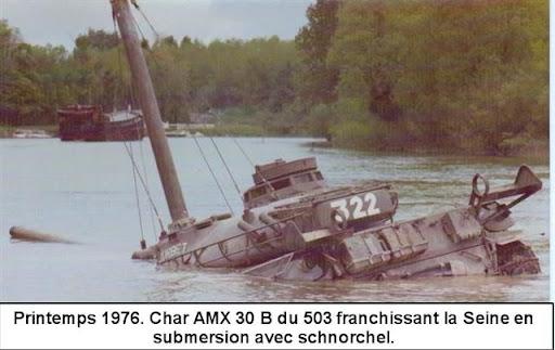 passage d'un char ou lbindé dans l'eau 1_FranchissementSeine1976%28Petite