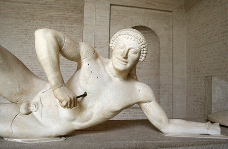 Guerrero del templo de Afaia muriendo