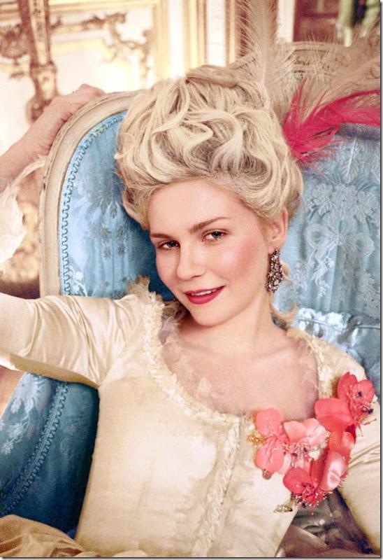 Kirsten  as Marie Antoinette