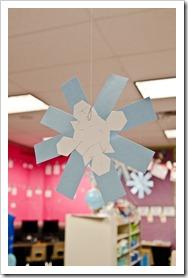 symmetrical snowflakes3
