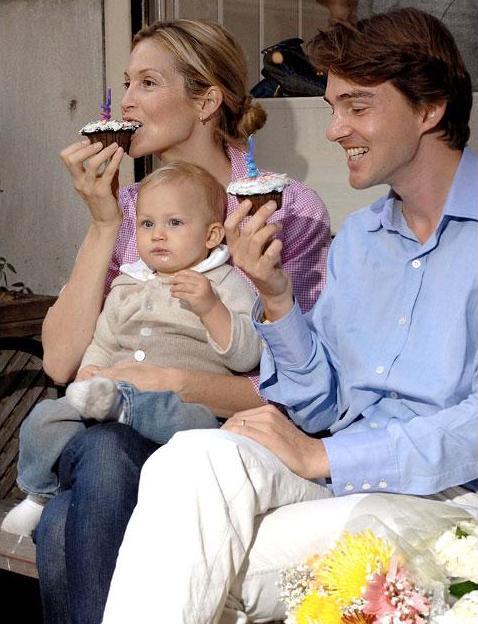 La embarazada actriz de Gossip Girl   Kelly Rutherford y su marido    Kelly Rutherford And Daniel Giersch