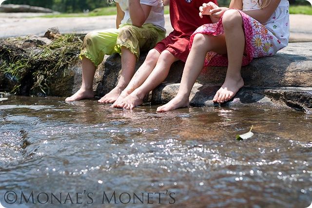 Girls feet blog