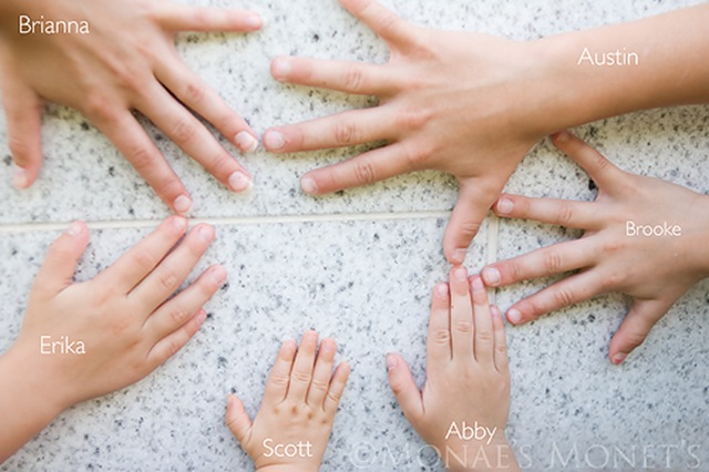 kids hands by temple blog