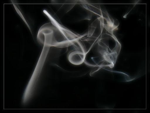 Défi 030 : jolies volutes de fumées P1170011