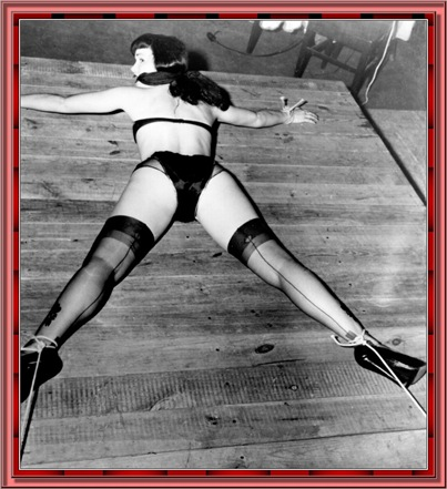 betty_page_(klaws)_155