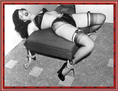betty_page_(klaws)_076